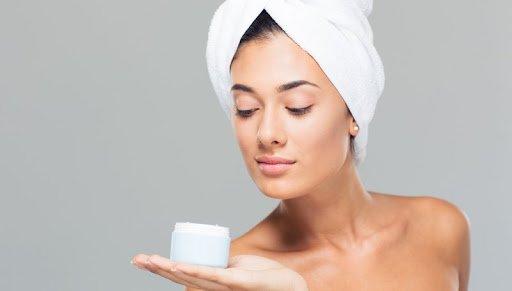 Sucha i wrażliwa skóra – jak dbać?